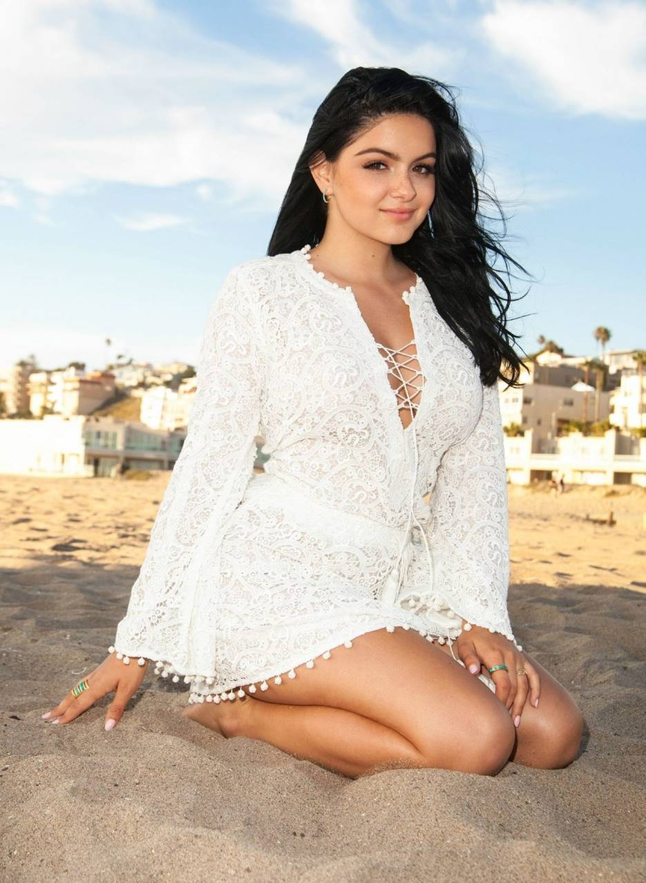 Ariel Winter Before and After